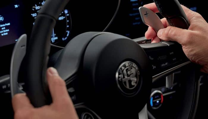 2019 Alfa Romeo Giulia Hands on Wheel