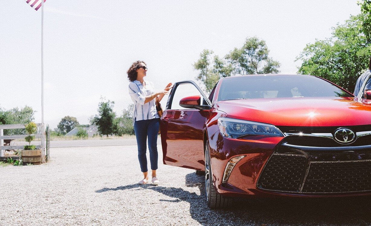 2017 Toyota Camry front exterior