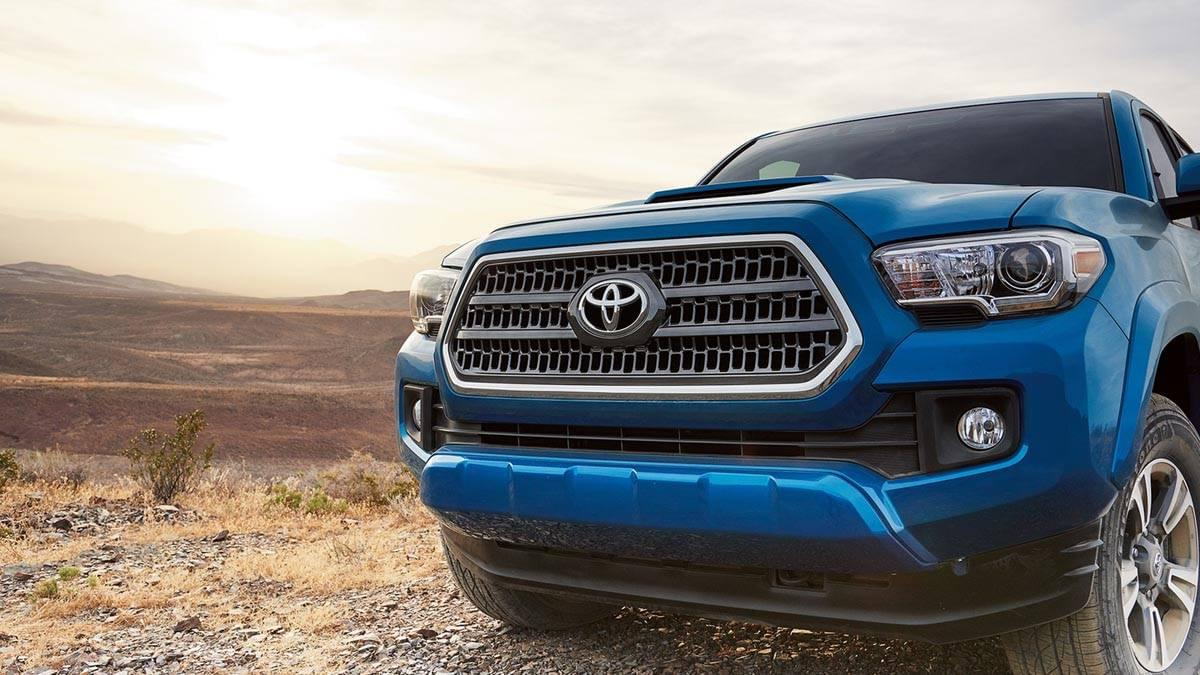 2017 Toyota Tacoma front exterior up close