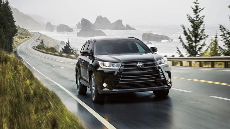 2018 Toyota Highlander front exterior