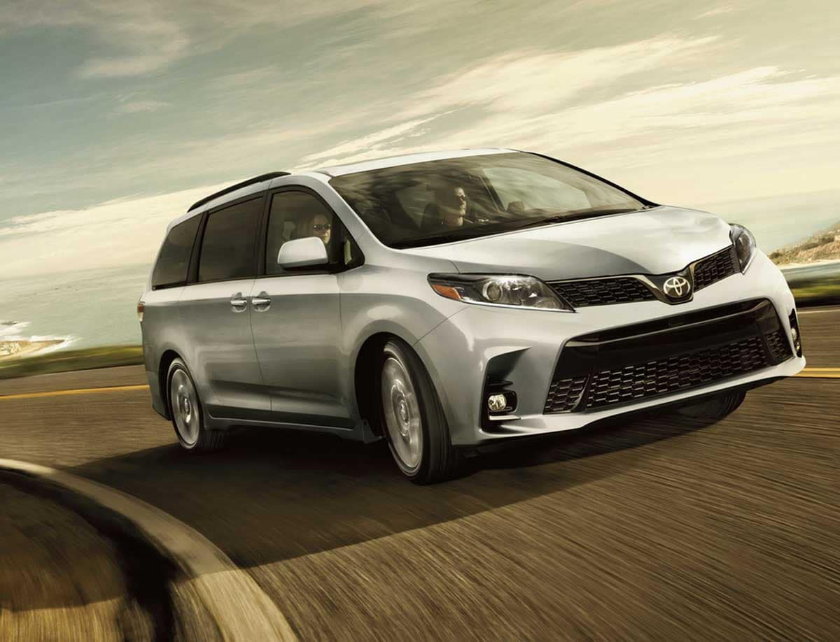 2020 Toyota Sienna Performance & Fuel Economy
