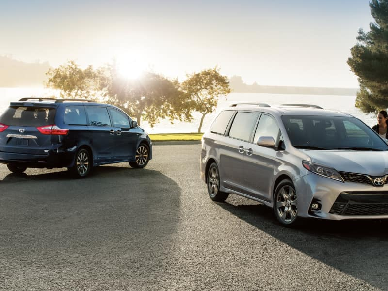 The 2019 Toyota Sienna for sale at Arlington Toyota in Jacksonville, FL