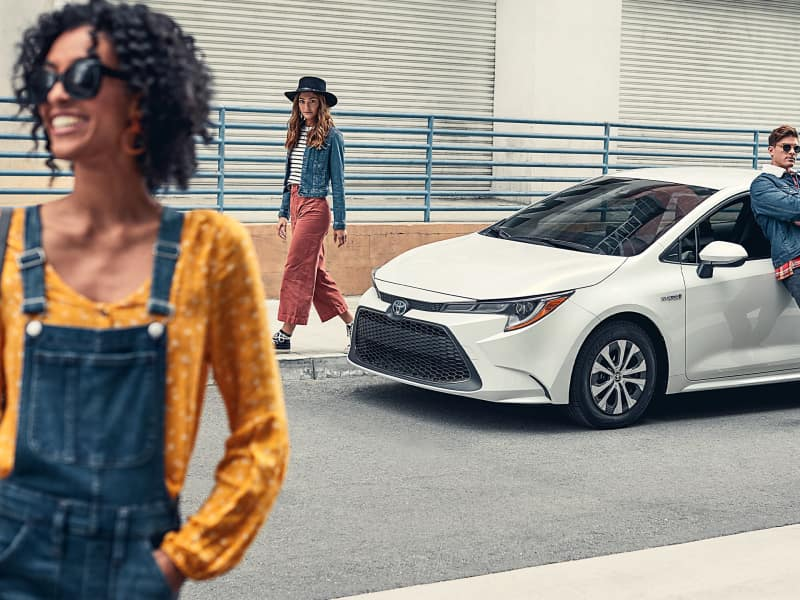Arlington Toyota offers many specials and incentives towards Toyota vehicles and services near Oakleaf Plantation, FL