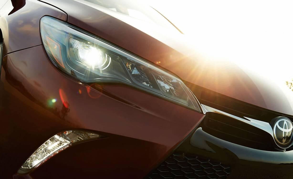 Toyota Camry XSE V6 Ruby Flare Pearl Headlight Detail