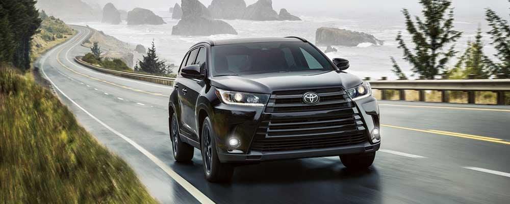 2019 Toyota Highlander on the highway