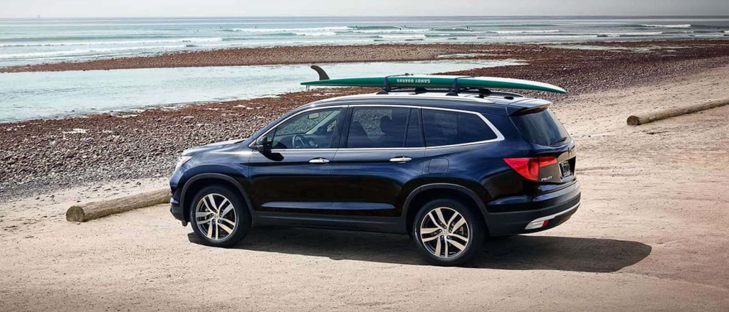 2017 Honda Pilot parked at the beach