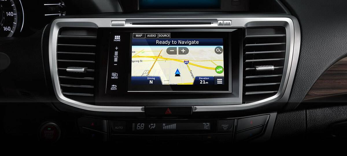 2017-accord-sedan-touring-int-navigation-1400-1x