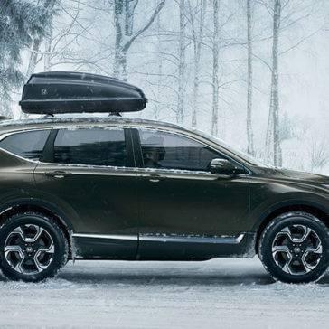 2017-cr-v-awd-touring-ext-passenger-profile-versatility-1400-1x