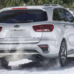 Kia Sportage driving in snow