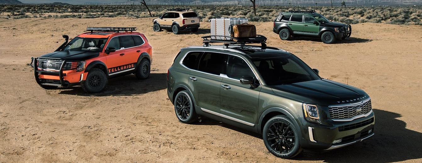Kia Telluride models parked in the desert
