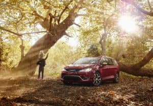 2020 Chrysler Pacifica vs Honda Odyssey
