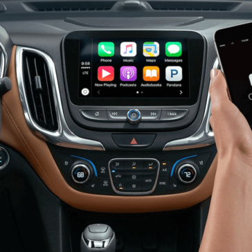 2018-Chevy-Equinox-apple-carplay
