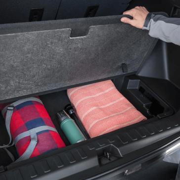 2018-Chevy-Equinox-cargo-storage