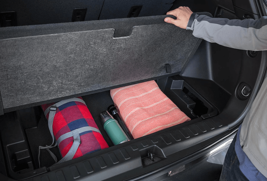 2018-Chevy-Equinox-cargo-storage