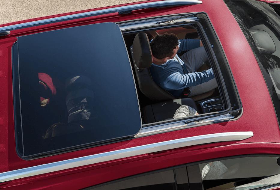2018-Chevy-Equinox-panoramic-roof