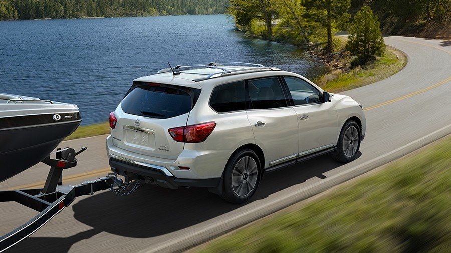 2017 nissan pathfinder towing