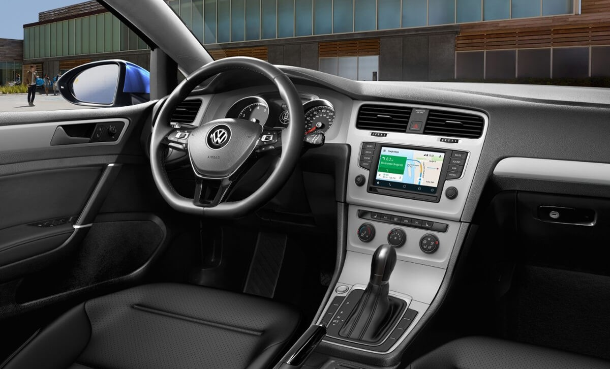 2017 Volkswagen Golf Dash