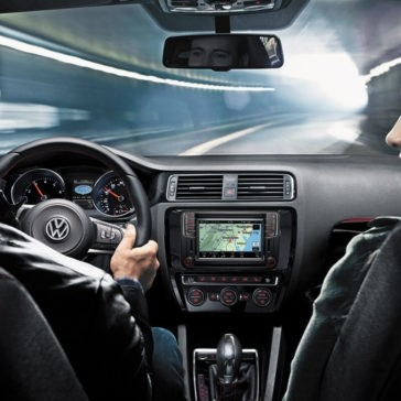 2017 Volkswagen Jetta Interior driving navigation