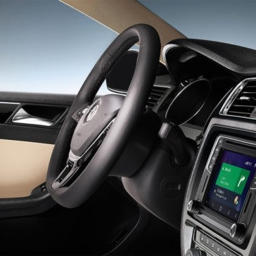 2017 Volkswagen Jetta interior Navigation and steering wheel
