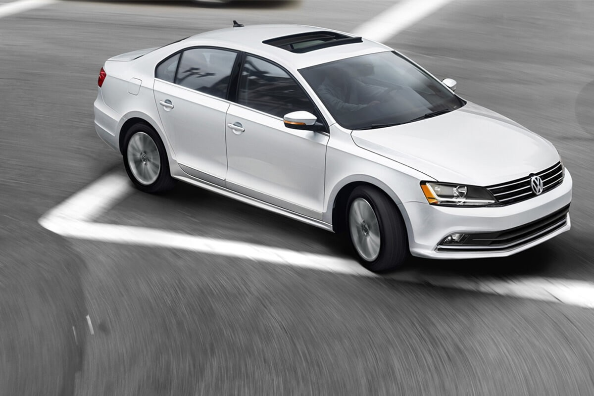 2017 Volkswagen Jetta exterior making a Right Turn