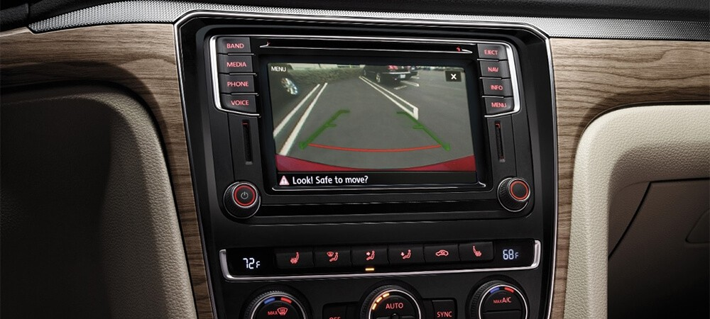 2017 Volkswagen Passat Interior Backup Camera