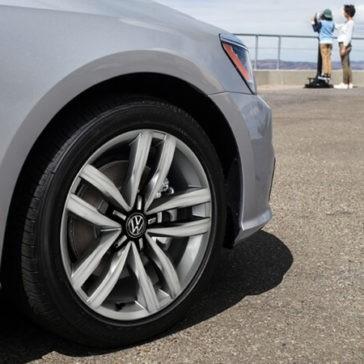 2017 Volkswagen Passat Rim detail