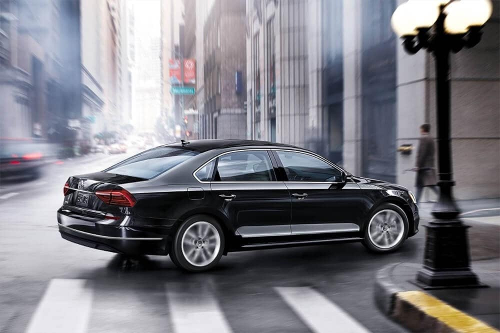 2018 Volkswagen Passat Exterior Driving in the city