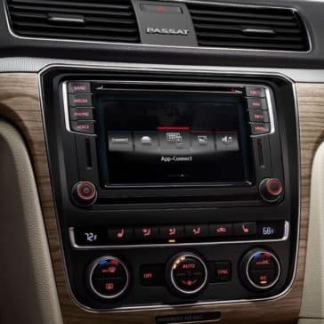 2018 Volkswagen Passat Interior Touch Screen
