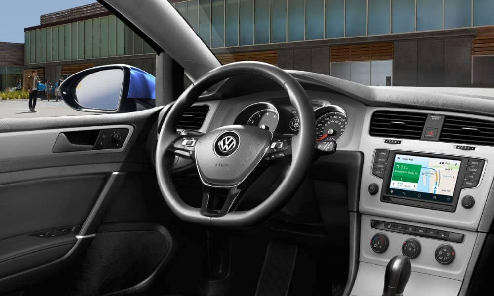 2018 Volkswagen Golf steering wheel