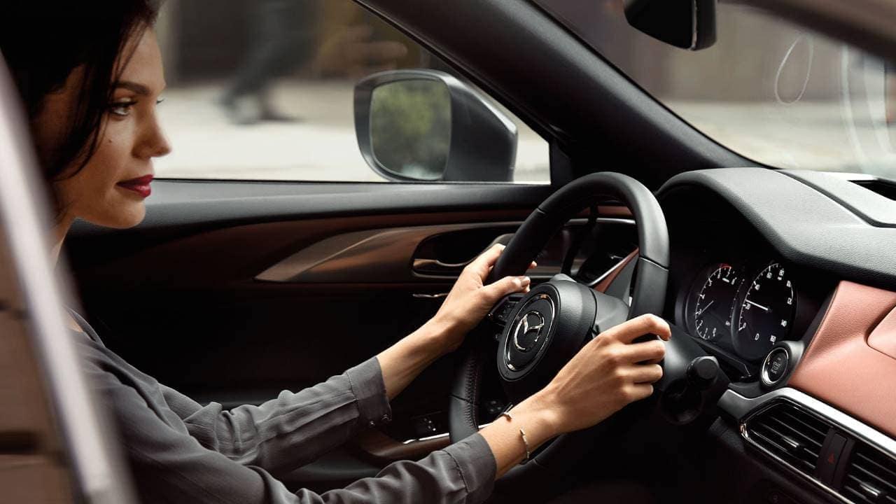 2019-Mazda-CX-9-Interior-01