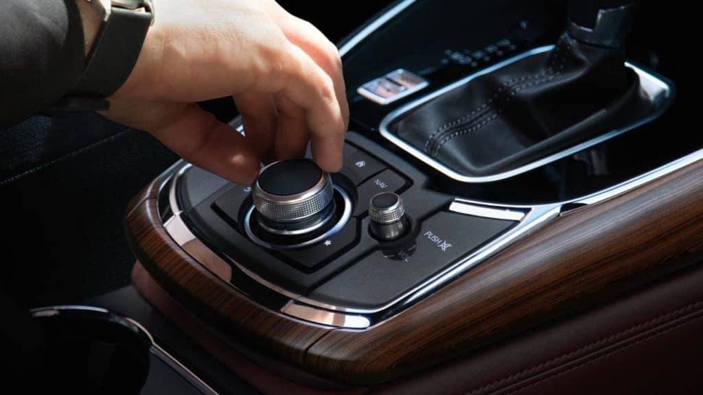 2019-Mazda-CX-9-Interior-02