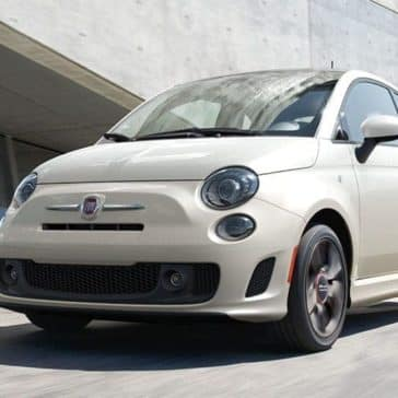 2018-FIAT-500-White-parked-by-building