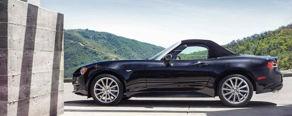 2020 FIAT 124 Spider profile view