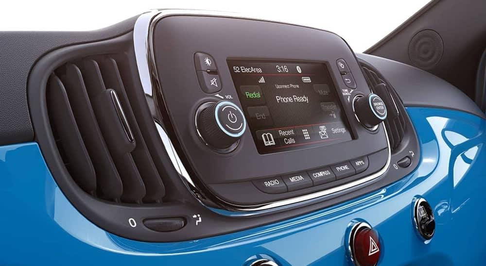 2019 Fiat 500 Technology