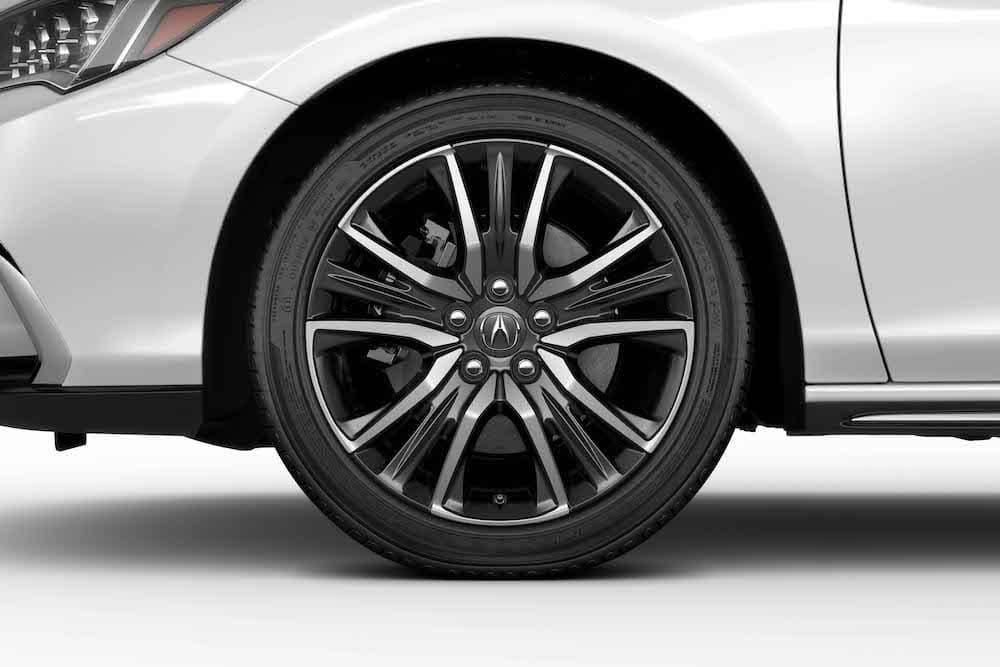 2018 Acura RLX Rim detail