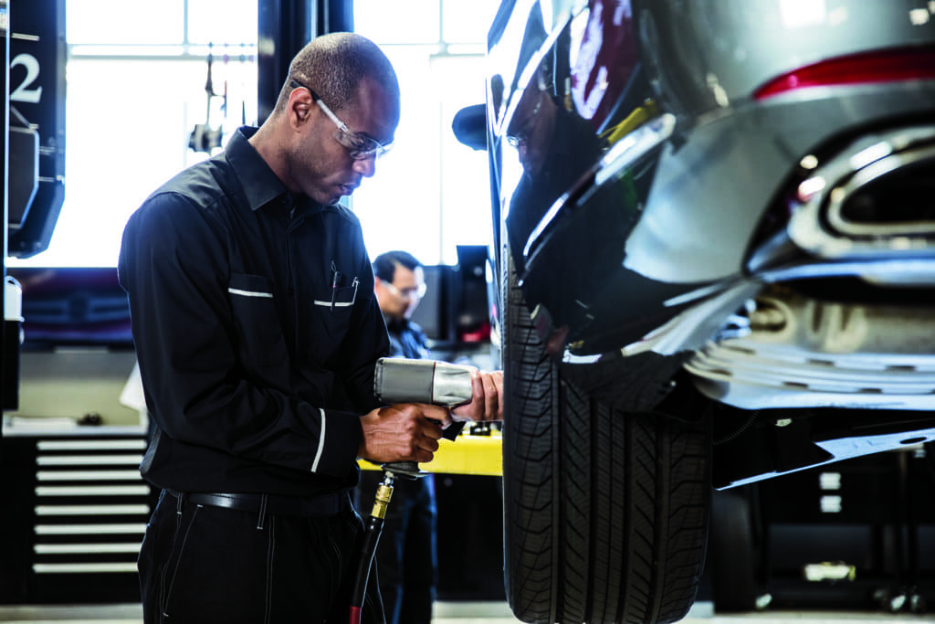 Mercedes Benz Service Technician