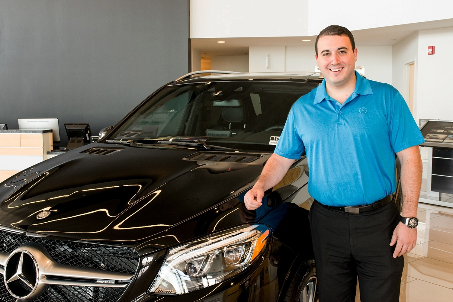 welcoming mercedes-benz of henderson's new service manager
