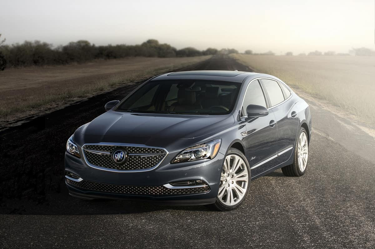 Buick LaCrosse: Starting the Engine Using Remote Start