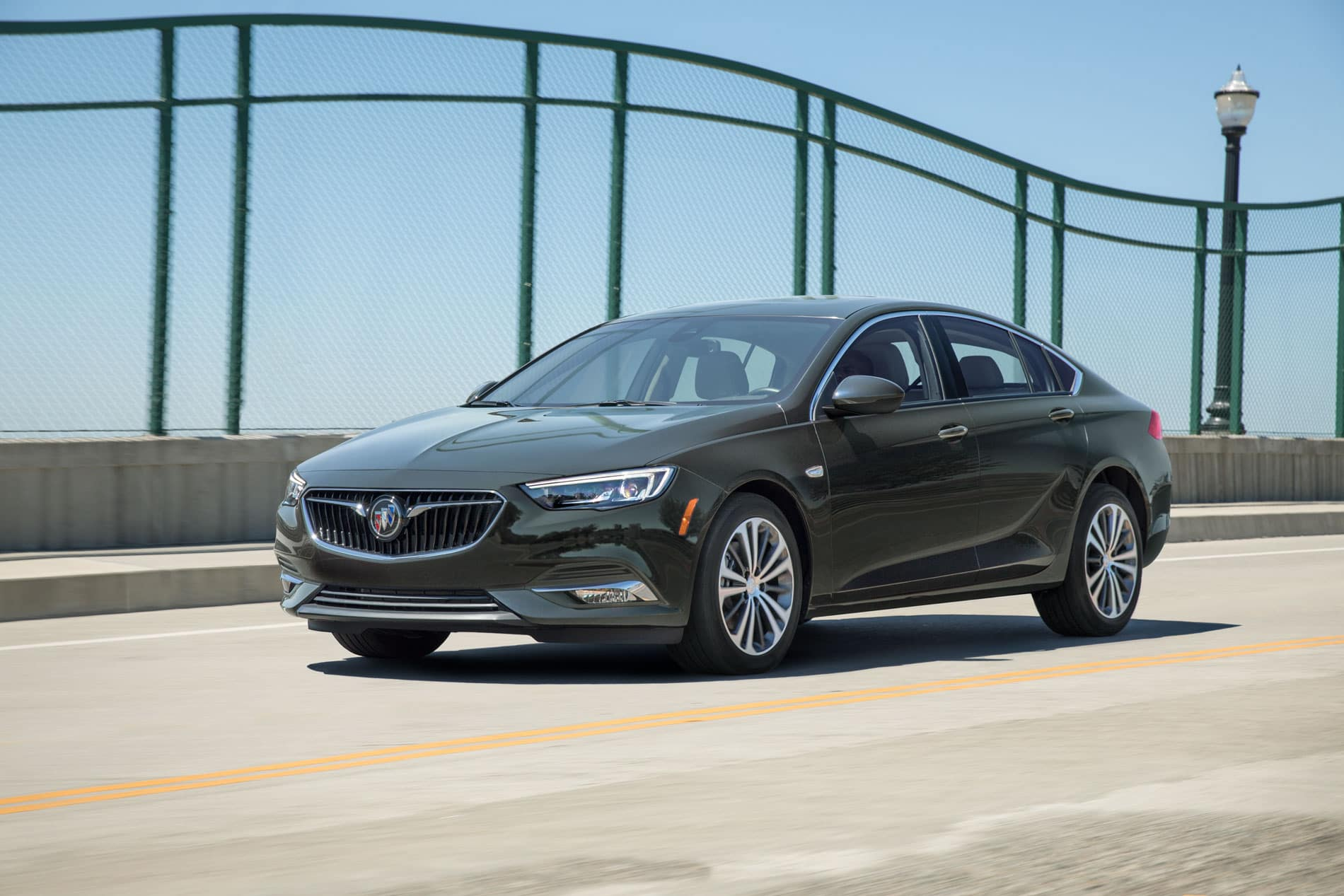 Buick Regal: Ride Control System Messages