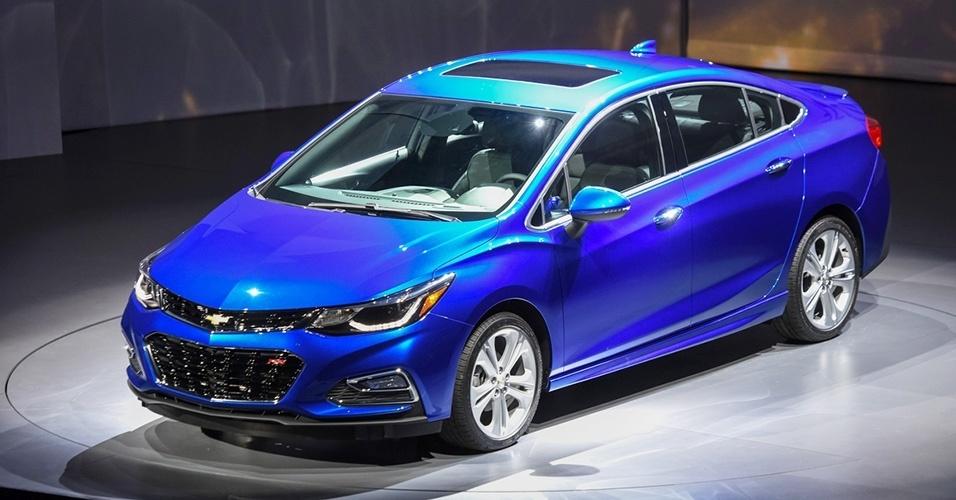 Let's Compare: Chevrolet Cruze vs Honda Civic -Garber Midland Chevrolet