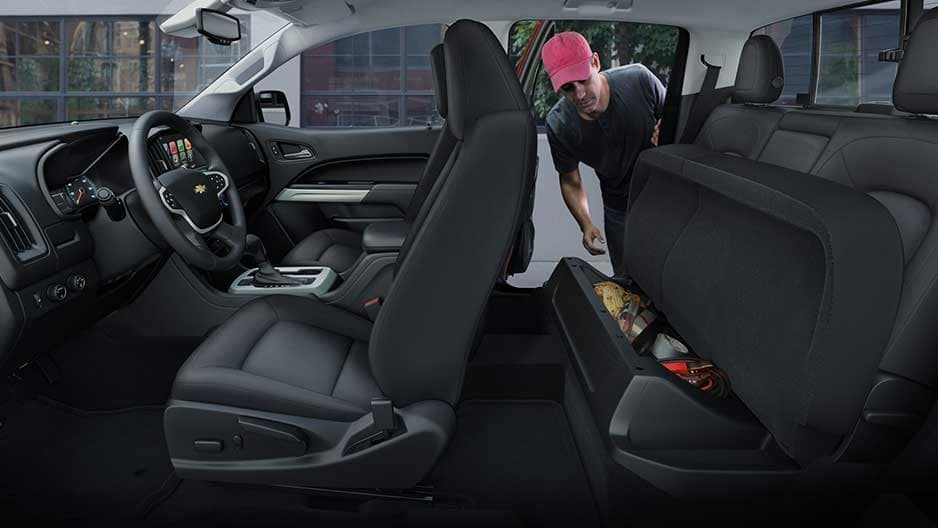 Interior Features of the New Chevrolet Colorado at Garber in Midland, MI