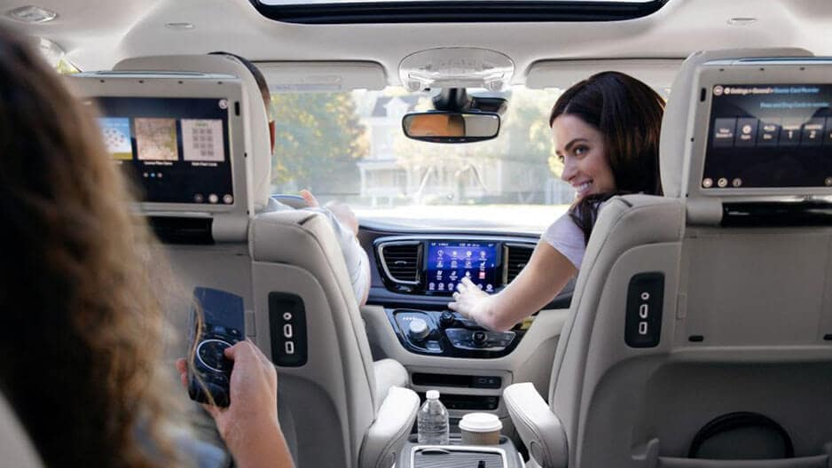 Technology Features of the New Chrysler Pacifica at Garber in Saginaw, MI