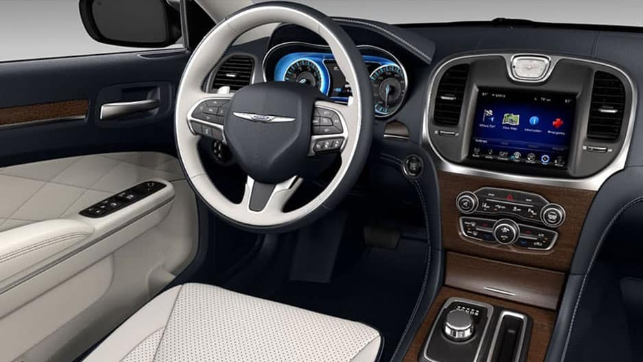 Interior Features of the New Chrysler 300 at Garber in Saginaw, MI