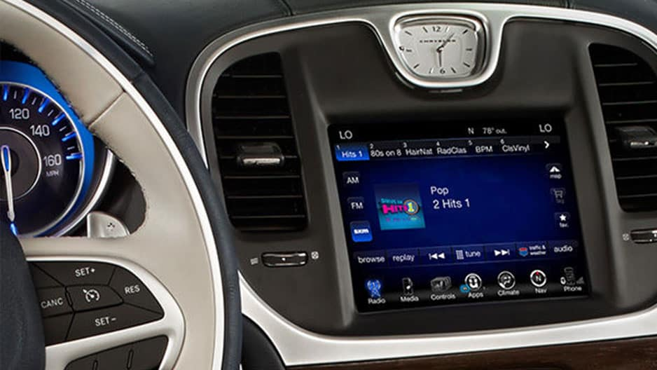 Technology Features of the New Chrysler 300 at Garber in Saginaw, MI