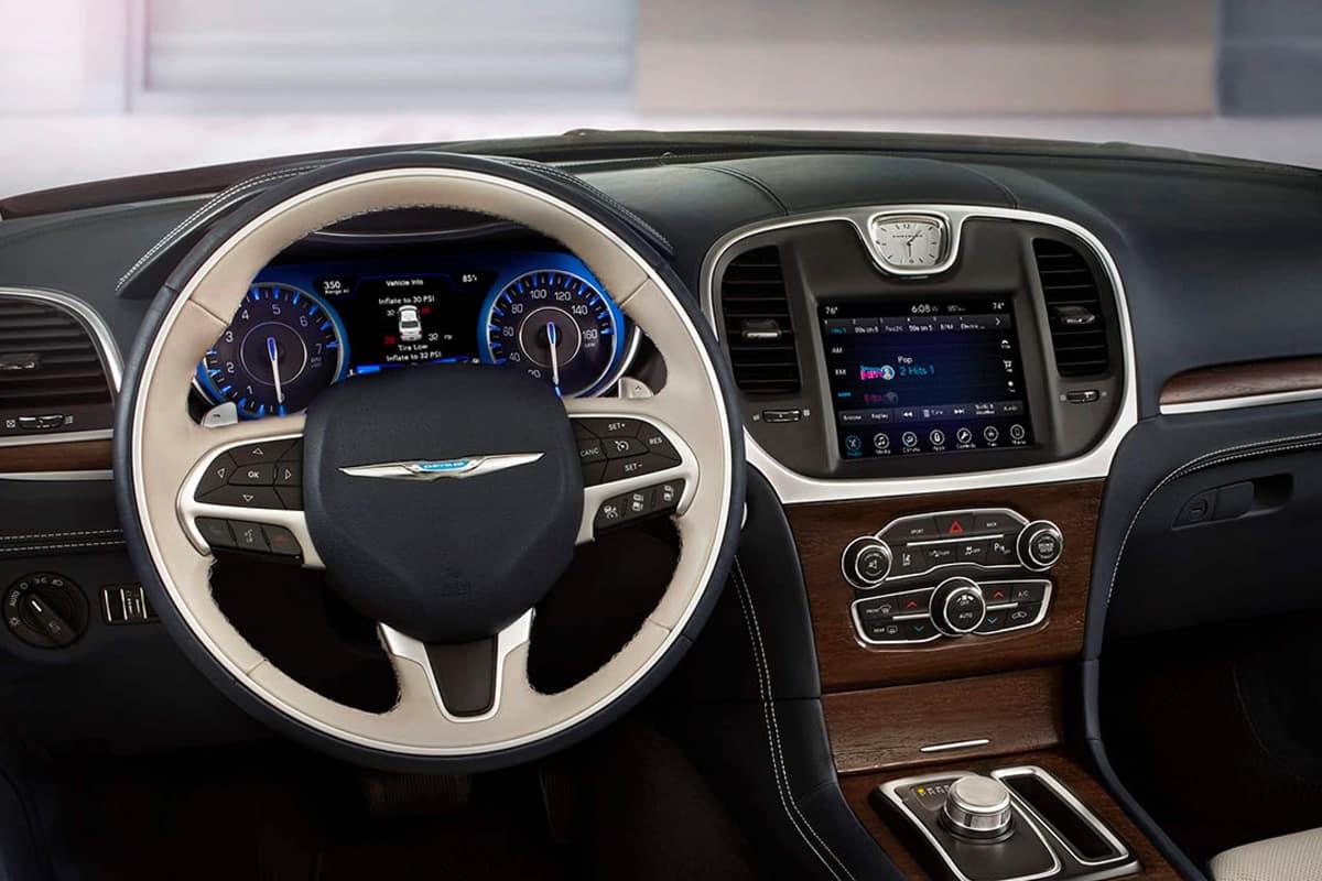 Xts Vs Cts >> Chrysler 300 Vs. Cadillac XTS
