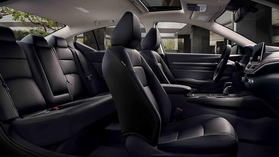 Interior Features of the New Nissan Altima at Garber in Saginaw, MI