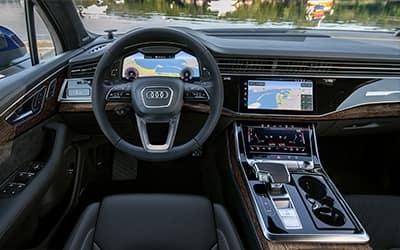 Audi Q7 Interior 01