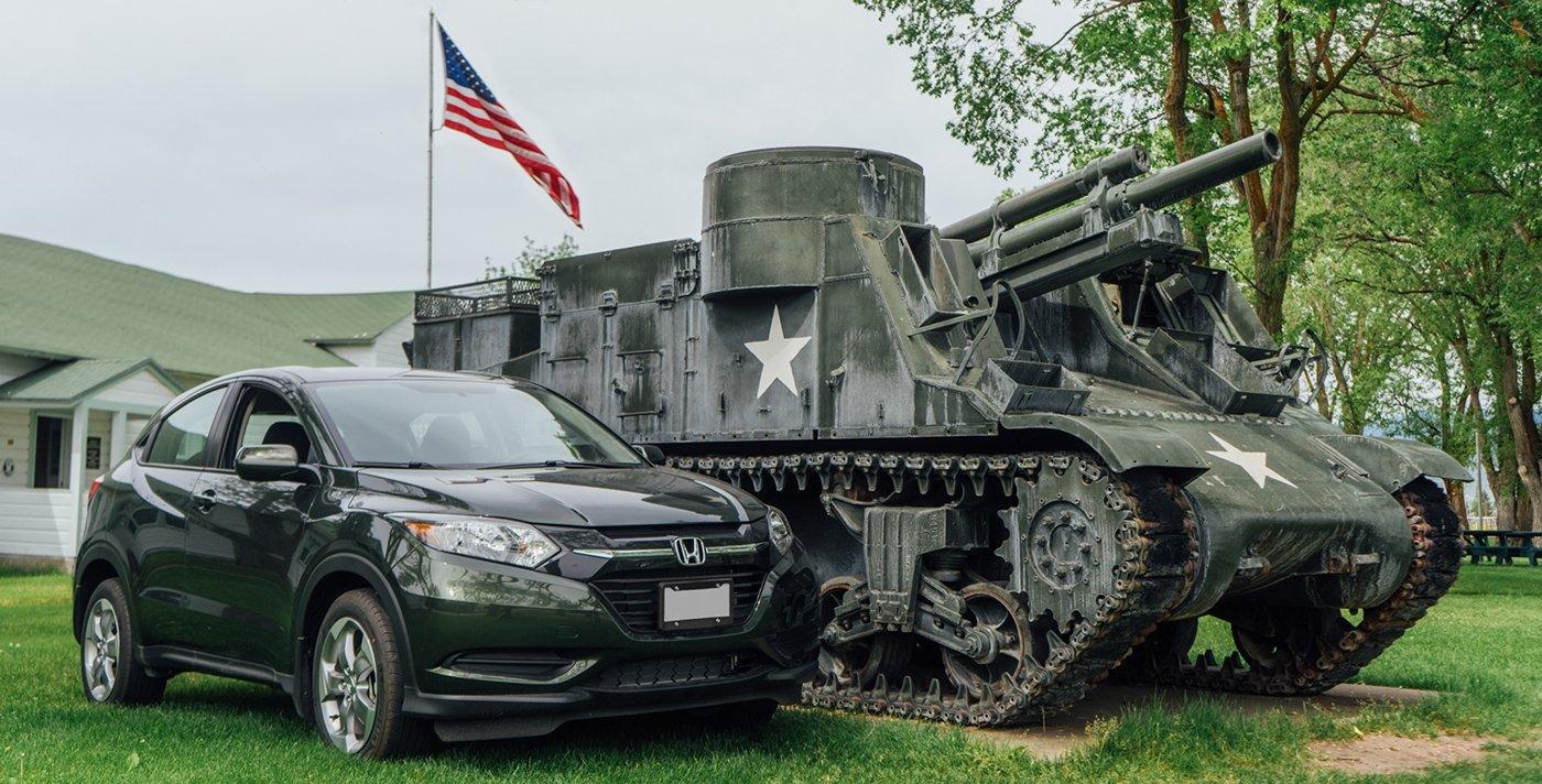 Honda HR-V next to WWII USA Tank