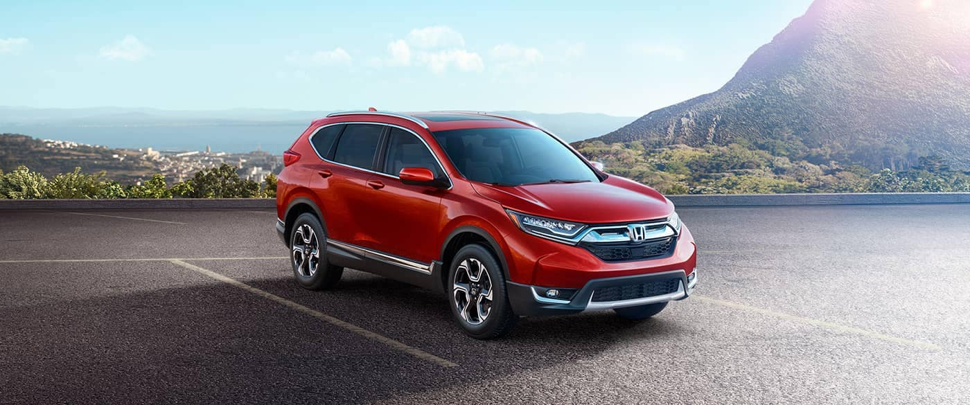 2018 Honda CR-V Parked in front of mountians