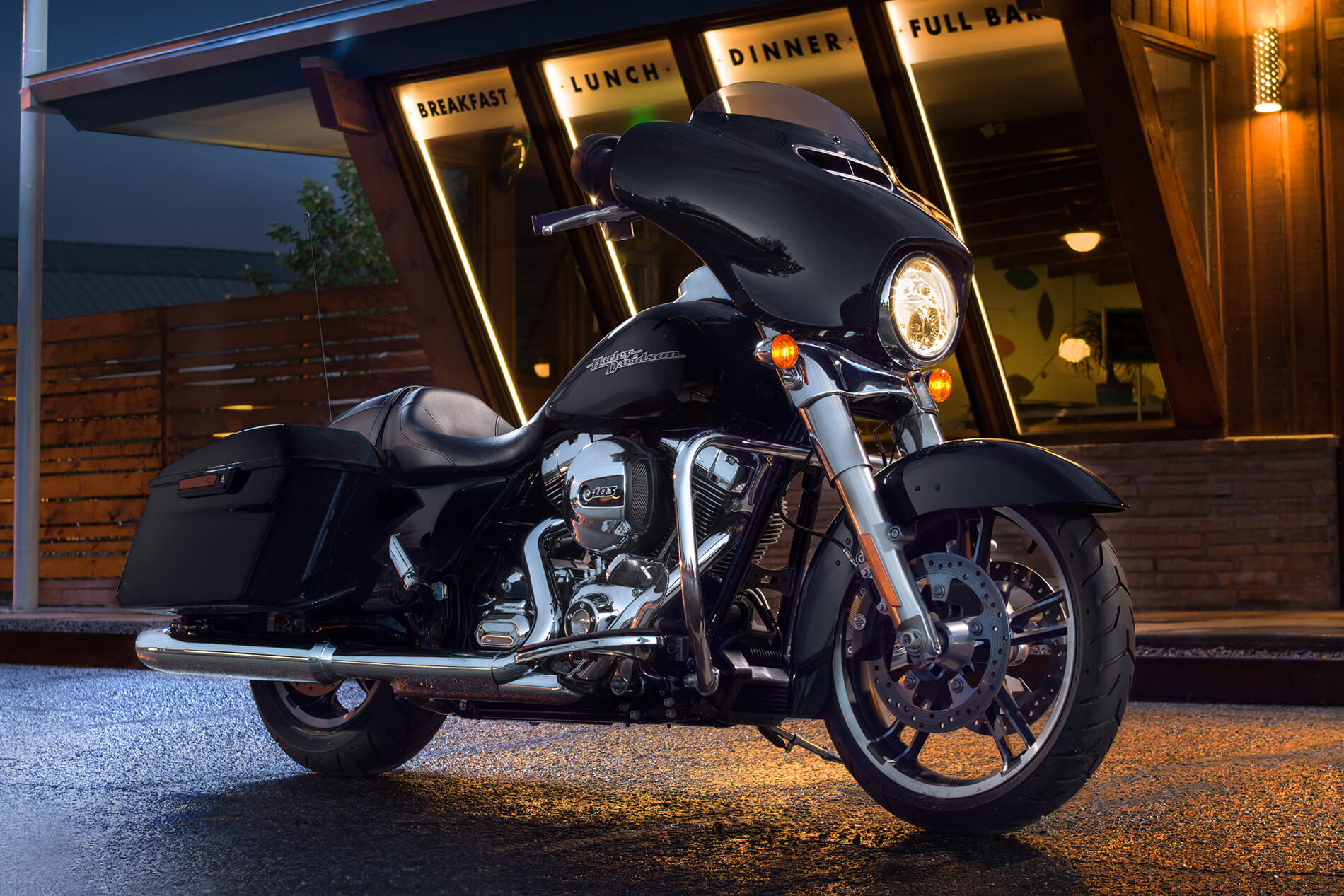 Harley Davidson Street Glide Black Auxilary Light
